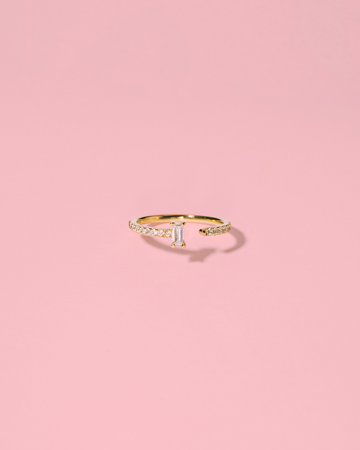 Dare to wear <br>gold-plated ring