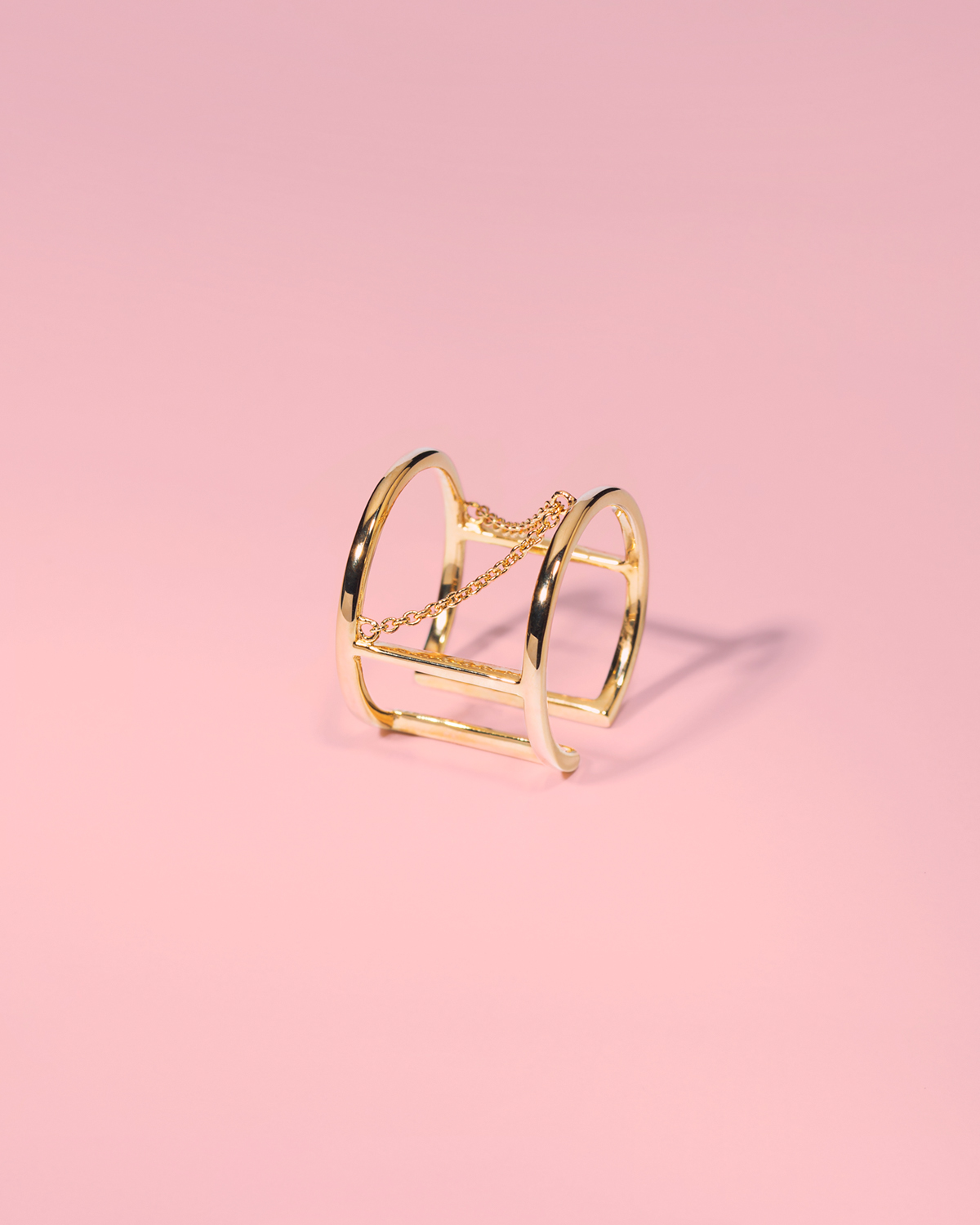 Romance revolution <br>gold-plated chain ring